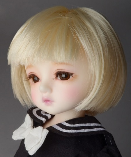 (6 - 7) Dutch Bob Wig (Blonde)
